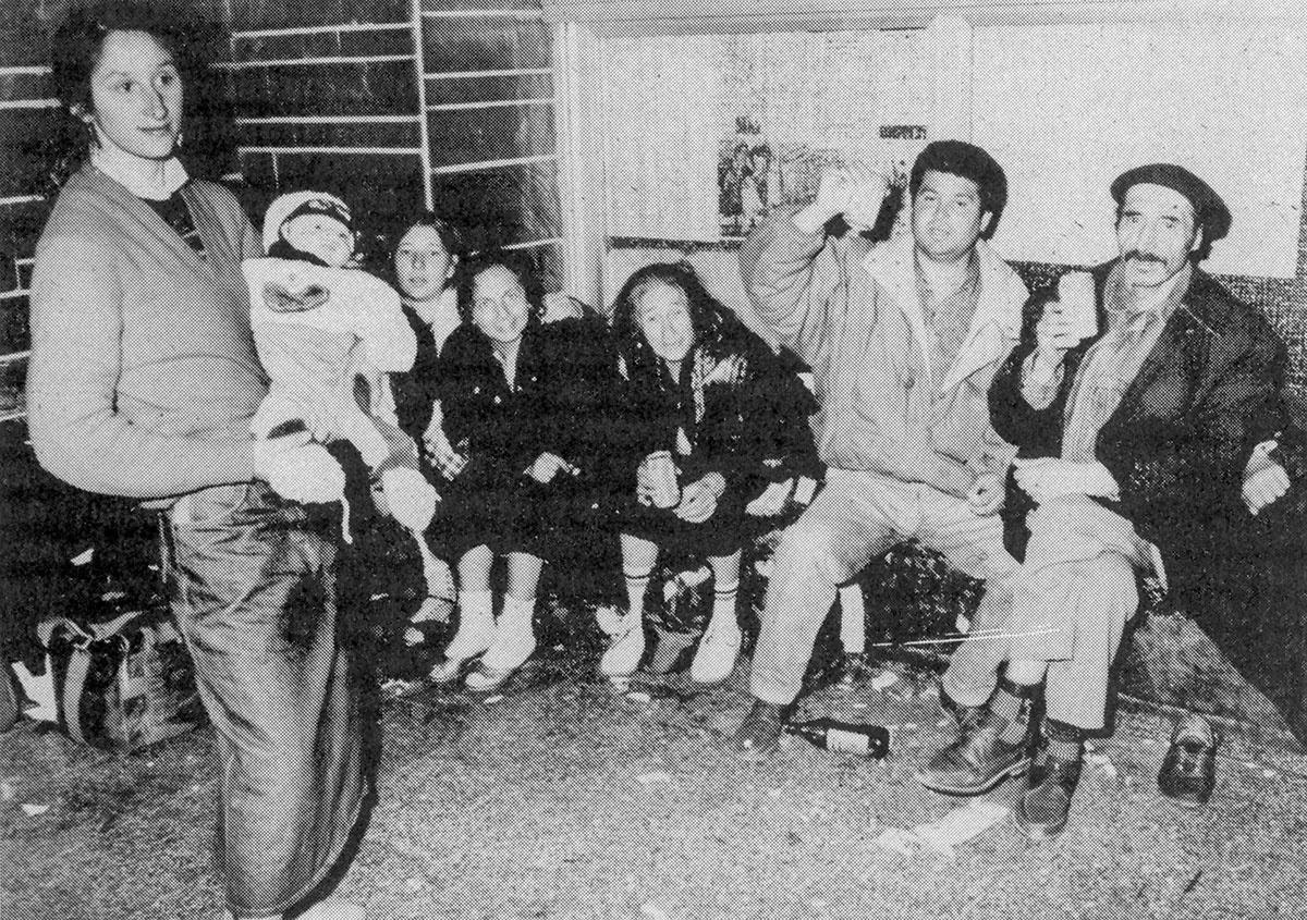 Romanische Flüchtlinge auf den Berliner Ostbahnhof, 1990