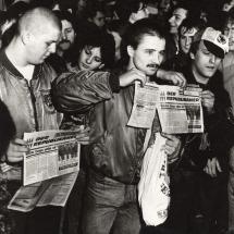 22. Januar 1990: Mitglieder der Republikaner und andere Neonazis benutzen die Leipziger Montagsdemo für Ihre faschistische Propaganda. Bildquelle: Archiv Zeitschrift telegraph