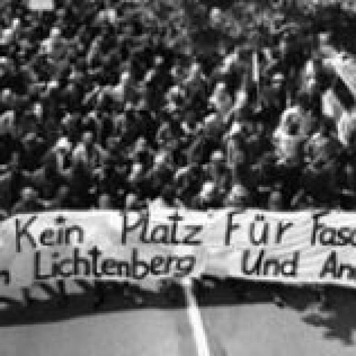 Die Antifaschistische Demonstration in Berlin-Lichtenberg, am 24. Juni 1990